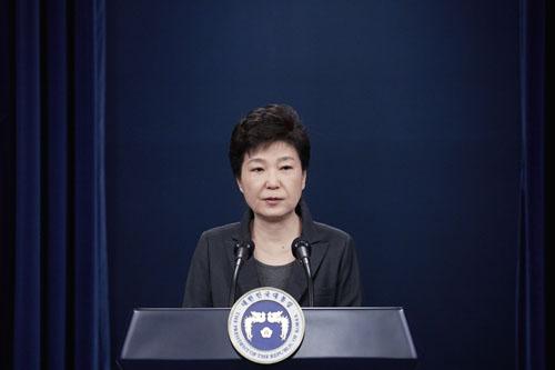 """外媒:朴槿惠""""亲信干政丑闻""""结局三种可能"""