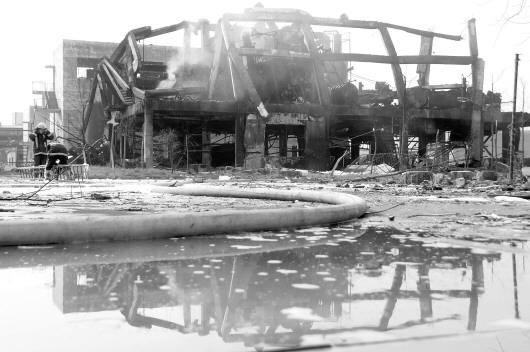 郓城一工厂发生爆炸致两死