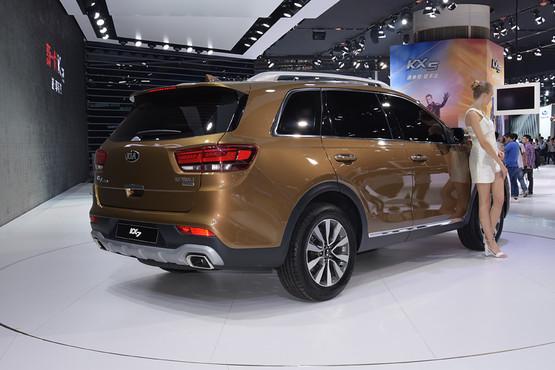 全新7座中型SUV起亚KX7亮相 中国定制