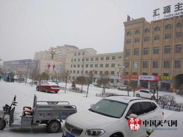 河北将遭遇中到大雪局地暴雪 最大降温超10℃