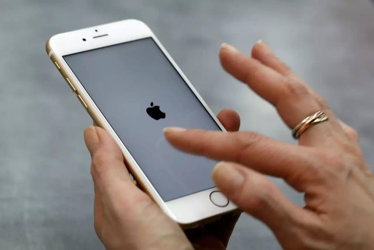 关注 感觉被 套路 了 苹果手机 关机门 免费换电池计划 仅有条件针对部分用户