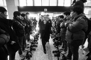 樸槿惠與日簽情報協定被指賣國 內外交困出昏招