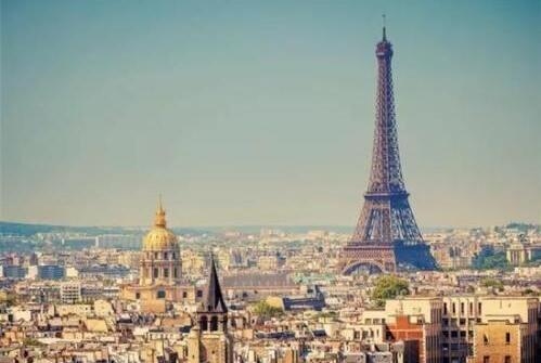 巴黎埃菲尔铁塔一段楼梯拍卖 超50万欧元成交