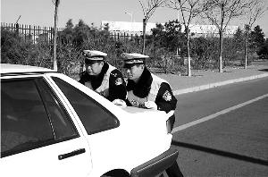 老交警出现场被撞殉职 处理事故超万起无投诉