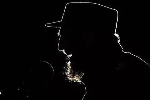 《百年孤独》作者忆卡斯特罗:没人比他更爱演说