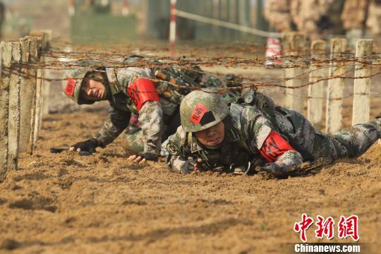解放军陆军军官学院组织学员军事技能比武竞赛