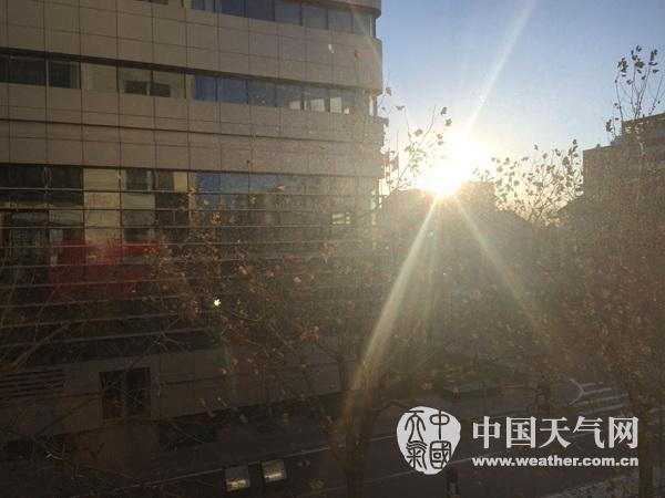 今天早晨,北京天气晴朗。