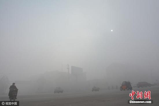 """京津冀等地区霾天气加重 今夜冷空气赶来""""驱霾"""""""