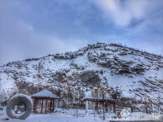 3日,阿勒泰地域仍有积雪。图像来历:微博网友