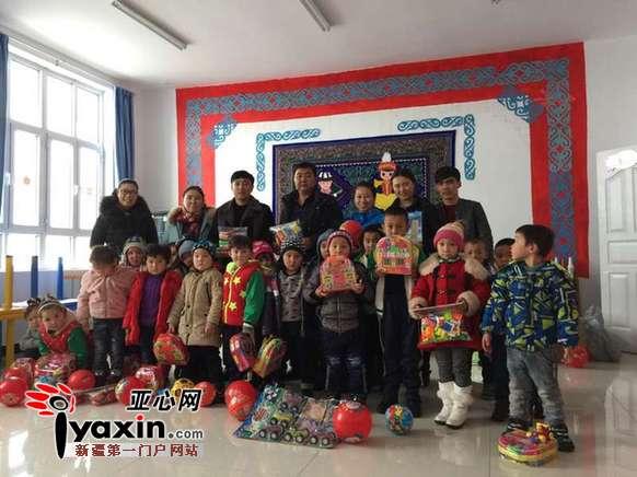 新疆裕民县 联谊活动增进民族团结情