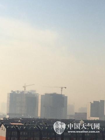 内蒙古持续升温雾霾来袭 21日空气有望改善