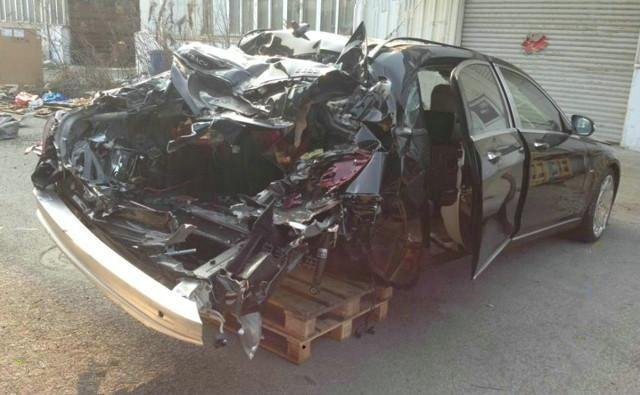 288万的迈巴赫,被撞成这样,维修费120万,修还是不修?