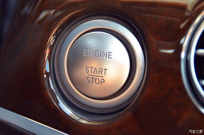 心中的那一抹白——福建第一台白色迈巴赫提车作业