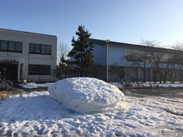 雪堆造型垃圾桶