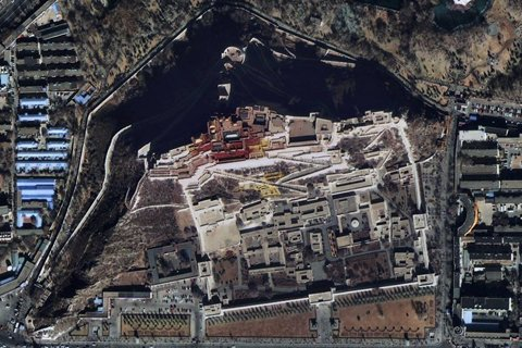图为布达拉宫景区。中国航天科技集团公司提供