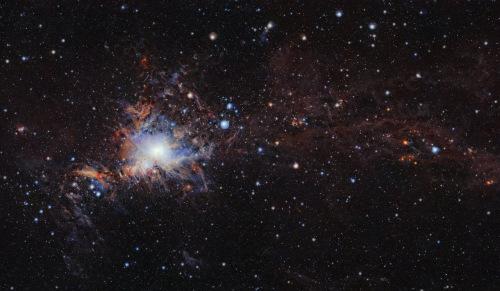 这张照片由ESO帕拉纳天文台的VISTA红外探测望远镜拍摄。(图片来源:ESO/VISION survey)