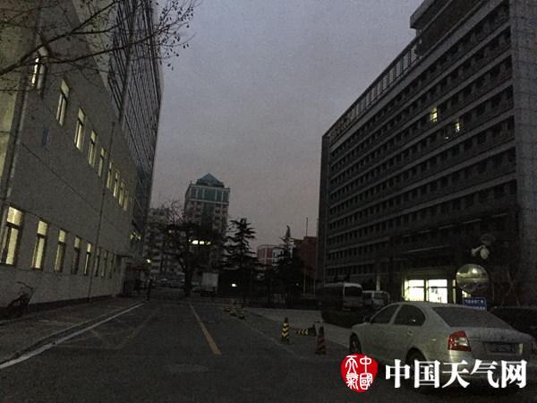 今晨,北京海淀天气阴。