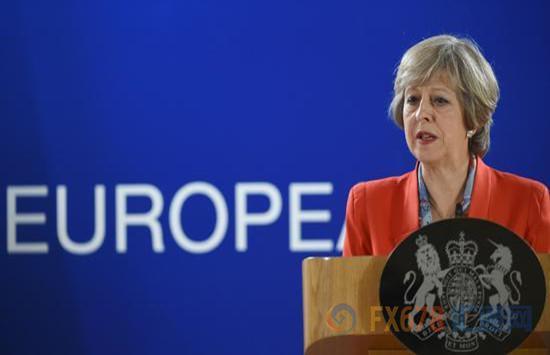 英国首相放手一搏 硬脱欧 ? 英镑或临腥风血雨
