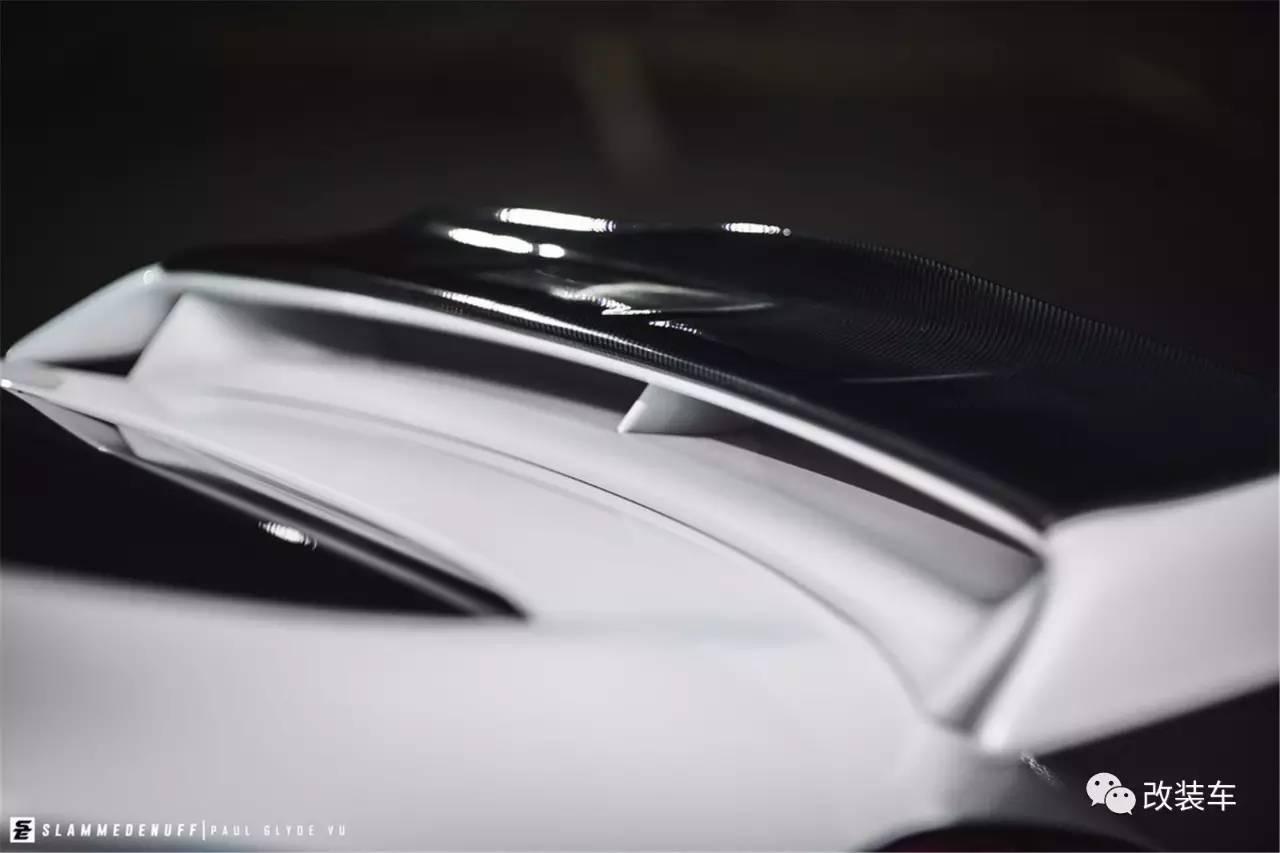 它是公认的日系优雅淑女 日产370Z改装