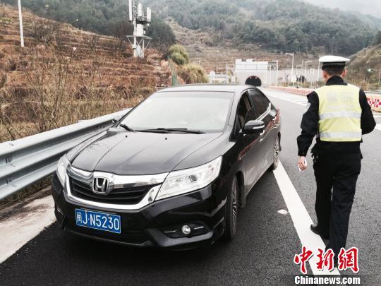 北京明天午后高速公路迎回程车流 将出现拥堵