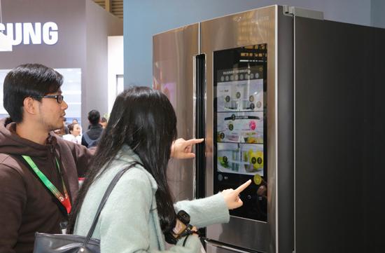 三星冰箱21.5英寸全高清显示屏