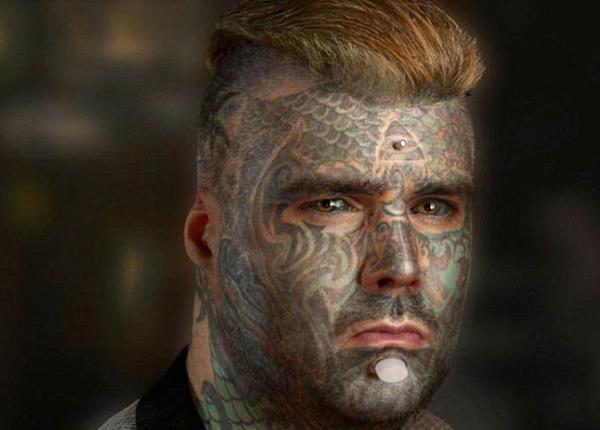 全世界纹身最多的人_英纹身最多男子全身刺青遭不平等待遇 曾被人捅伤