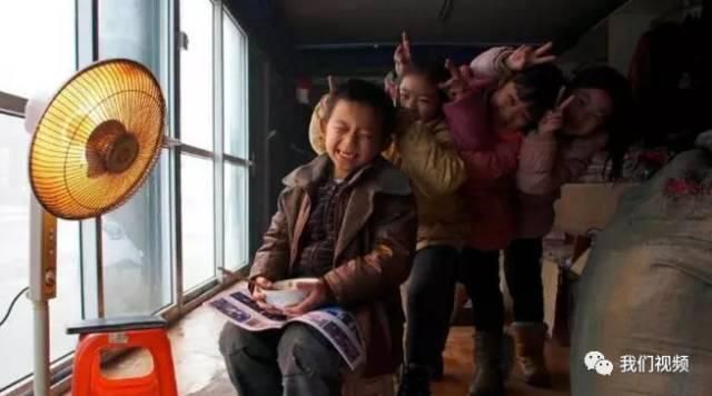 ▲李利娟收养的孩子 来源:新浪图片