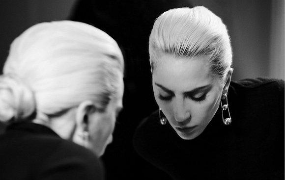 Lady Gaga为蒂芙尼拍摄的广告