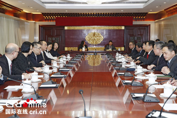 澳门行政长官崔世安在北京与国家教育部部长陈宝生会面