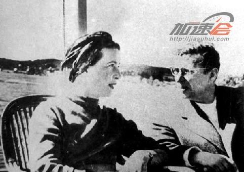 (1955年,萨特与波伏娃访问中国)