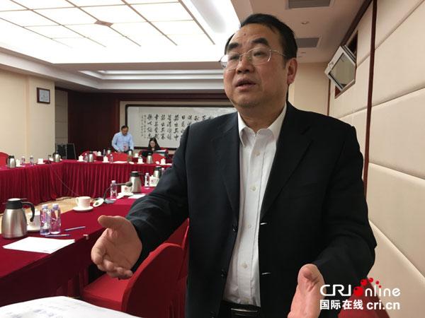 全国政协委员马敏接受记者采访 赵春晓摄