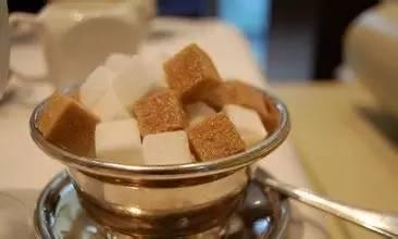 红糖、白糖、冰糖,它们的作用天差地别,别吃错了~