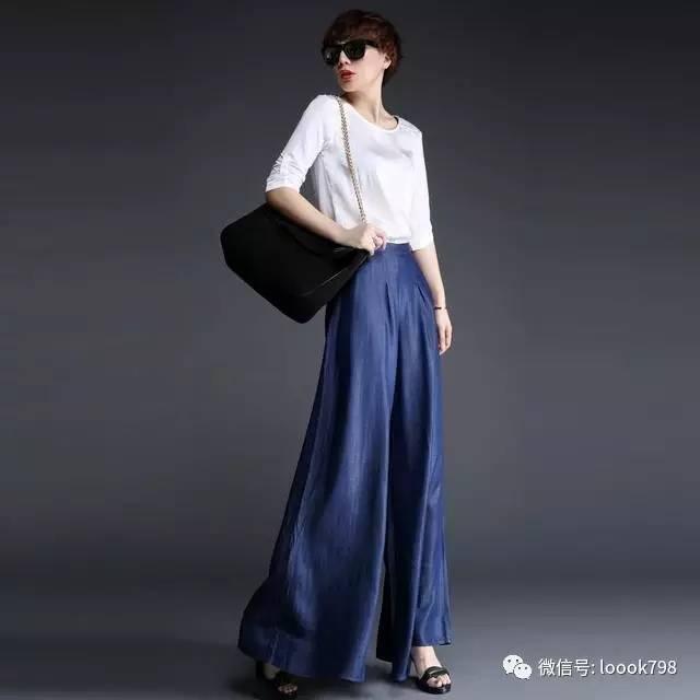 杨幂领衔今年流行的牛仔裤—— 都是给粗腿准备的