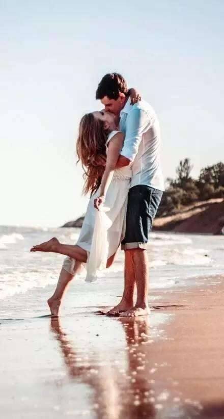 你知道男人很爱一个女人的时候,是什么样子的吗?