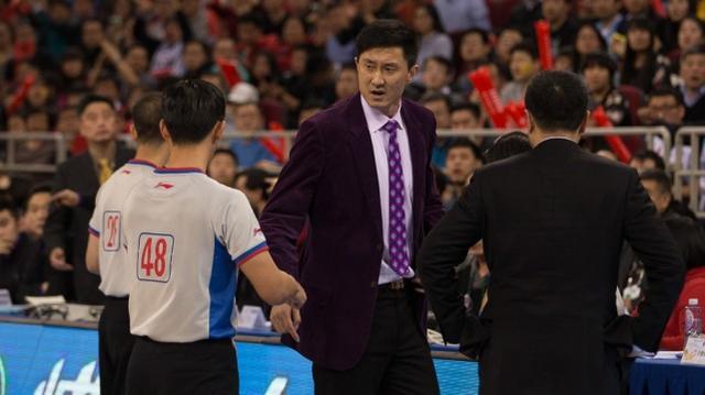 从毒瘤齐喊下课,到广东的救世主,杜峰这个赛季欺骗了所有球迷
