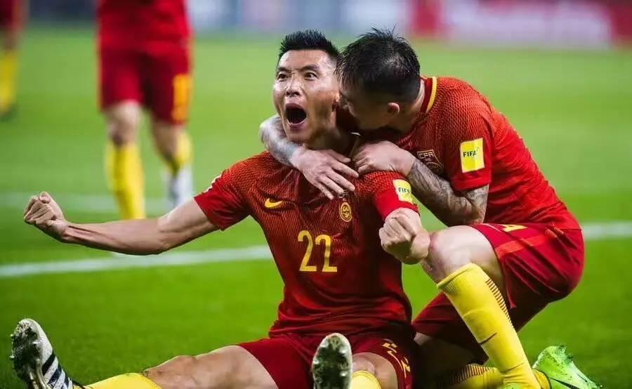赢了!赢了!赢了!中国男足今晚燃到爆!