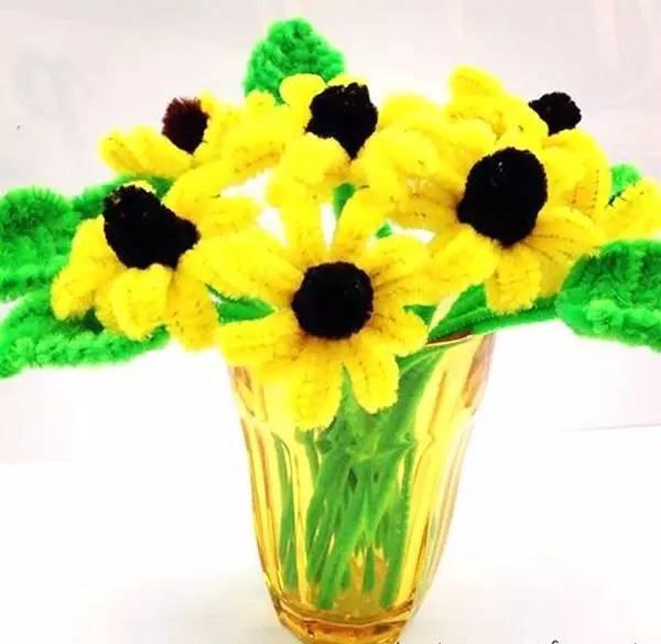 脚印再创意成春天的花朵
