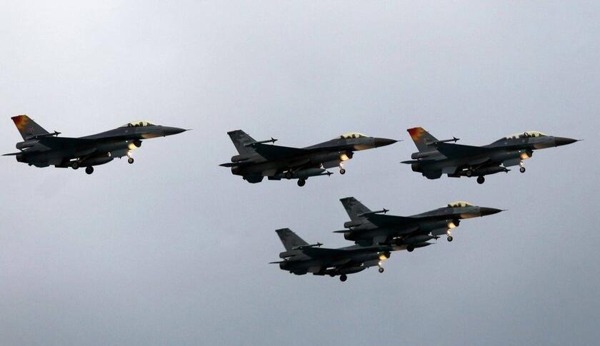 台军设想2025年台海大战 要用F16对抗大陆歼20
