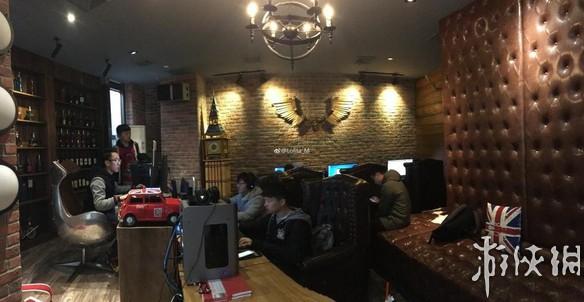 """上海最牛网吧:通宵120元/晚 设""""王思聪土豪包厢"""""""