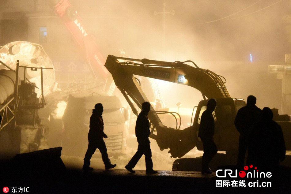 长沙一混凝土公司生产线突发垮塌4人被埋 3人失联