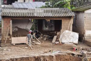 半夜爆发泥石流 哥伦比亚234人遇难