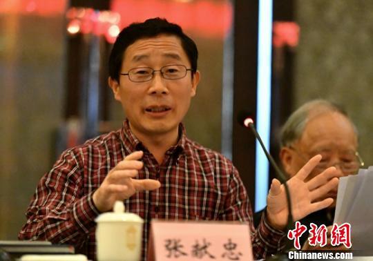 天津社会科学院历史研究所的研究员张献忠发言。 刘忠俊 摄