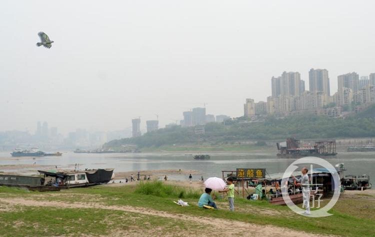 风雨雷电东部地区现身 重庆连发强对流天气预警