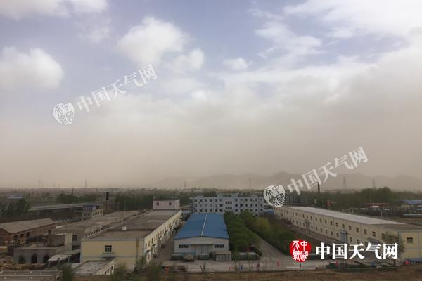 辽宁本溪昨遭冰雹袭击 沈阳等地今天午后有沙尘