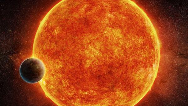 """科學家暢想""""超級地球""""經過其主恆星前面的場景。"""