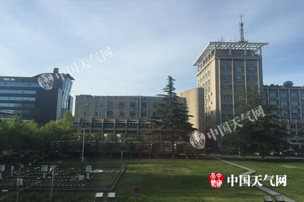 今晨,北京天晴气爽。