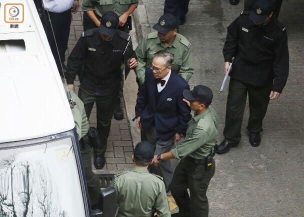 """""""港独""""政党香港众志称黄之锋入境泰国被扣留"""