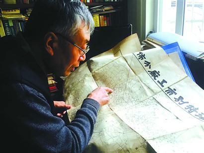 """上海""""地图迷"""" 50年收藏地图700余份银赫李世娜"""