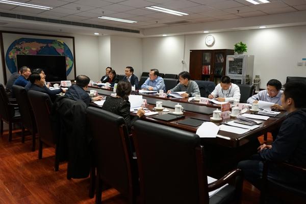 中央追逃办组织各成员单位召开案件协调会,协调解决追逃追赃过程中遇到的困难和问题。