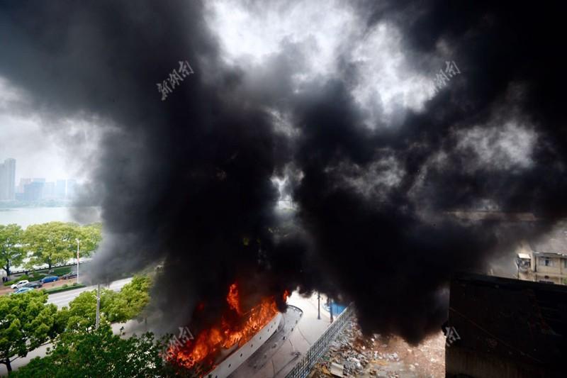 长沙竹山园附近发生一起火灾 暂无人员伤亡